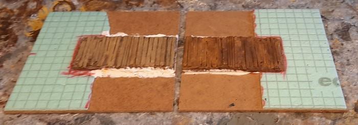 Das getrocknete und ausgehärtete Set Terrain Tiles. Die Stewalinteile sind befestigt,