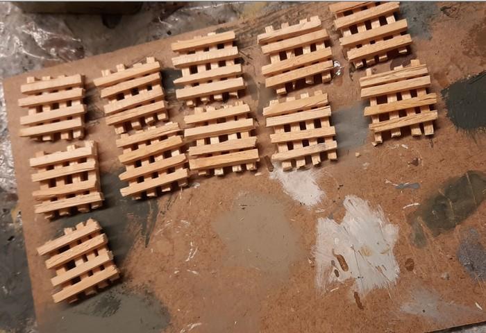 Die elf Balkenstapel nach Verklebung.