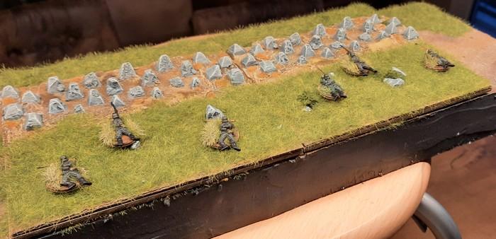 Die Drachenzähne meiner Höckerlinie und einige Panzergrenadiere des Infanterie-Regiment 510