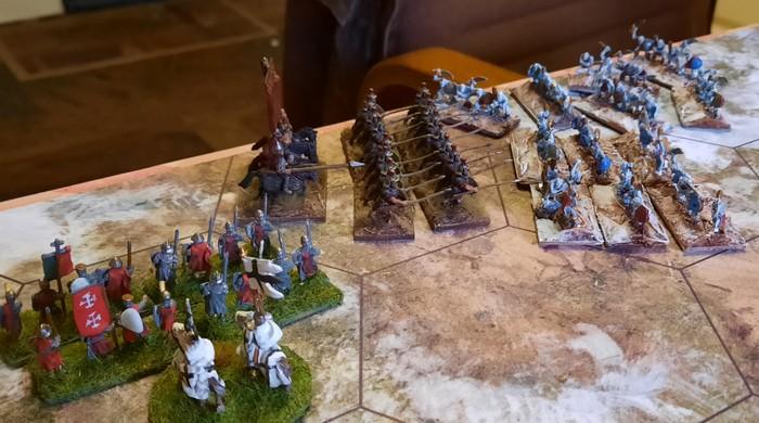 Das tatsächlich letzte Gefecht. Einer der stürmischen Generäle und eine Einheit Speere haben sich ein wenig viele Gegner gesucht.