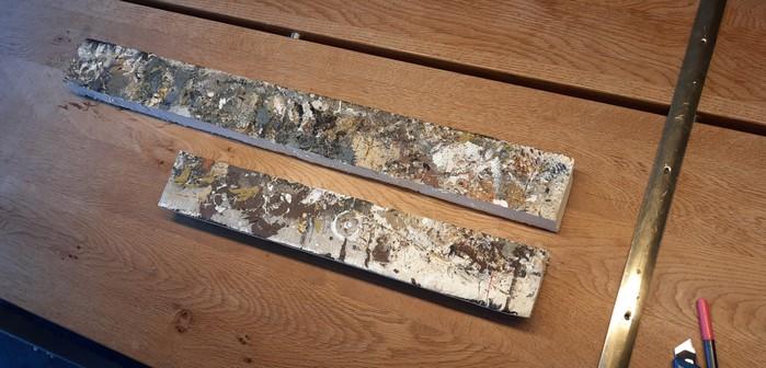 """Die beiden Stücke Kaimauer ergänzen die ebenfalls 45cm bzw. 75cm breiten Spielplattenmodule der Maschinenfabrik """"Roter Oktober"""" perfekt. So wird man auch mal auf 75cm bzw. 45cm Breite spielen können."""