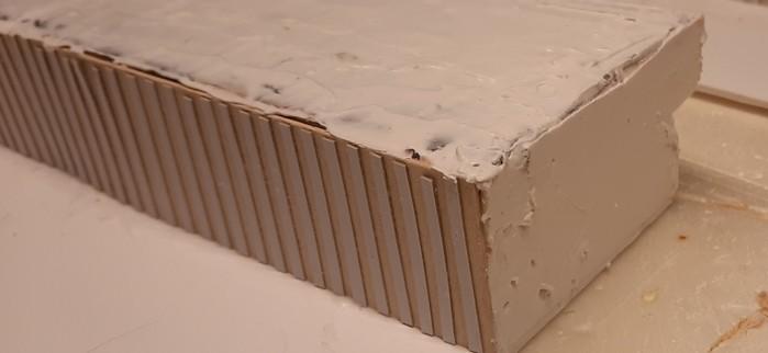 Man erkennt auch an Ecken und kanten, dass hier mit dem Innenspachtel so manche Lücke geschlossen werden konnte.