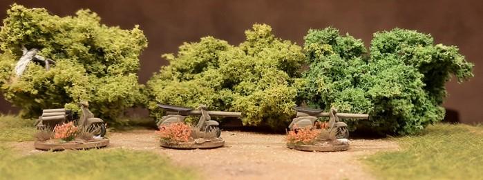 Die drei Vespa 150 T.A.P.  im forêt urbaine du Aix-les-Tempête
