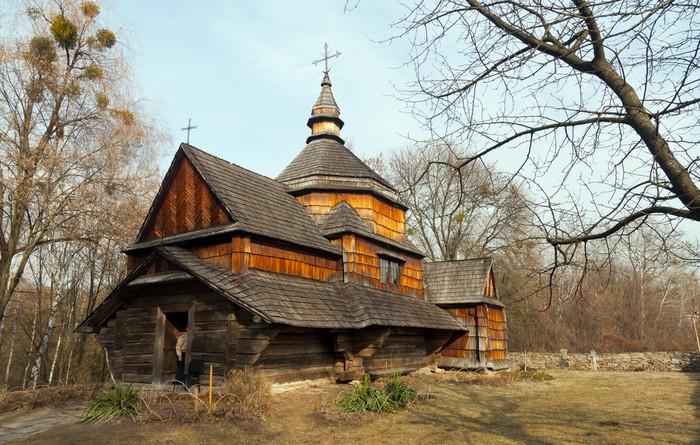 Am Anfang stand dieses Bild, welches ich im Internet gesehen hatte. Es steht im National Open Air Museum of Folk Architecture Pigorovo in Kiew in der Ukraine. (Foto: shutterstock - Oleksandr Kulichenko)