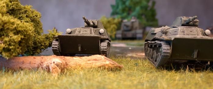 """Zwei T-40 haben das feindliche Ufer erklommen. """"Ürrääh!"""""""