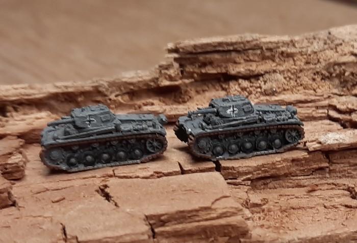 Die Panzer II auf den steppigen Areal, das gerade noch von T-34 beherrscht war.