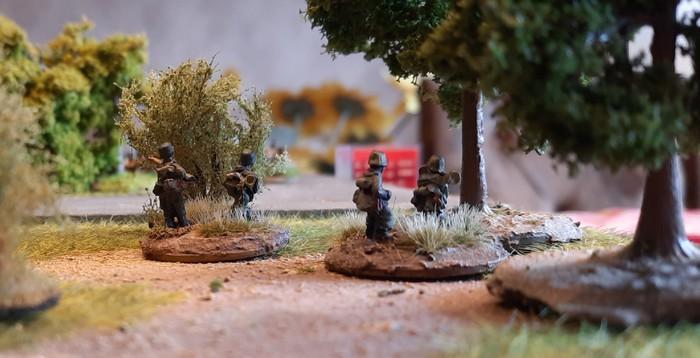 Die zwei Panzerabwehr Trupps.