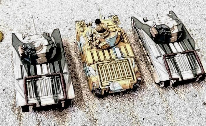 Drei Matilda II des 4th Royal Tank Regiment  der 32nd Army Tank Brigade erwarten den Angriff.